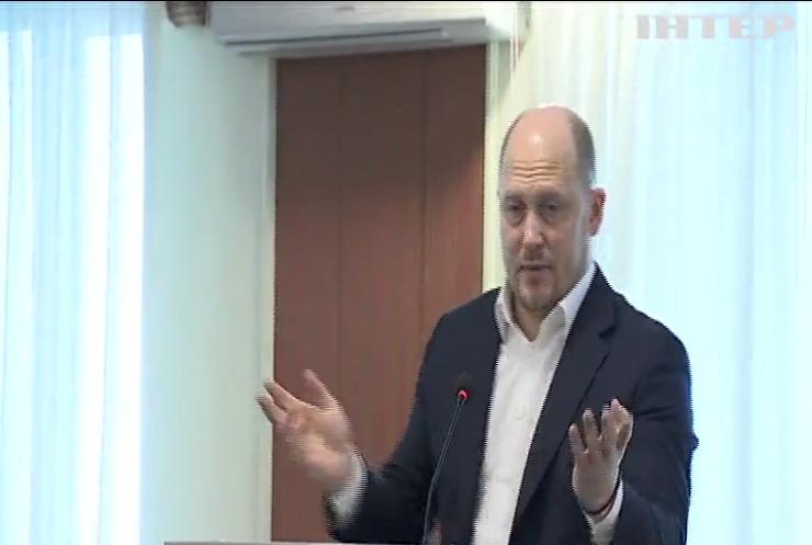 Українці не довірятимуть свої накопичення жодним установам без зростання рівня життя - Сергій Каплін