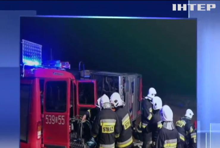 Масштабна ДТП: у Польщі перекинувся автобус з 50 пасажирами