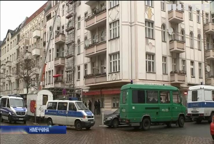 Поліція Берліну проводить масові обшуки у мечетях