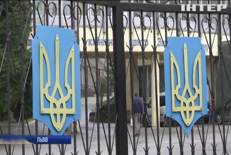 Лікаря Львівського військового госпіталю підозрюють у непрофесійній поведінці під час операції