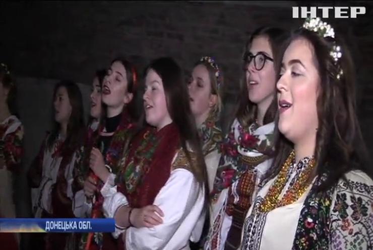 Львівські студенти організували вертеп на передовій
