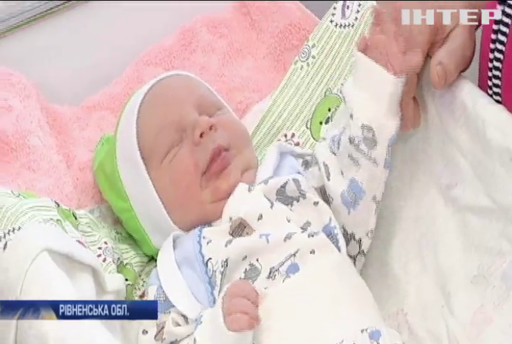 28 років декрету: жителька села Глинне народила дев'ятнадцяту дитину