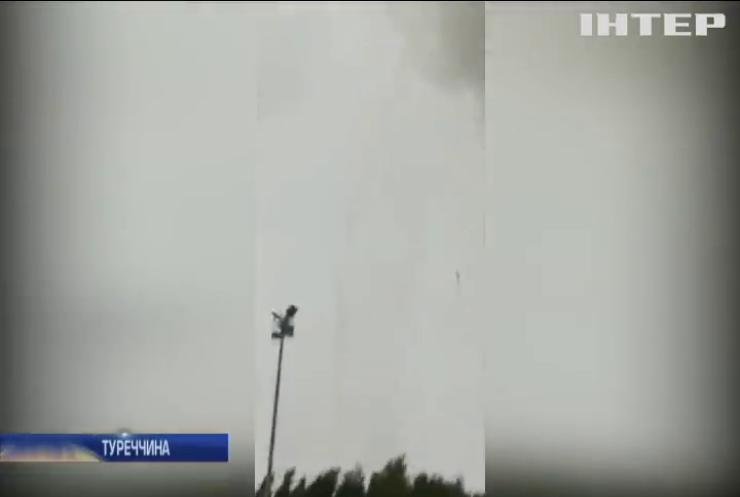 На Анталію обрушилися торнадо (відео)