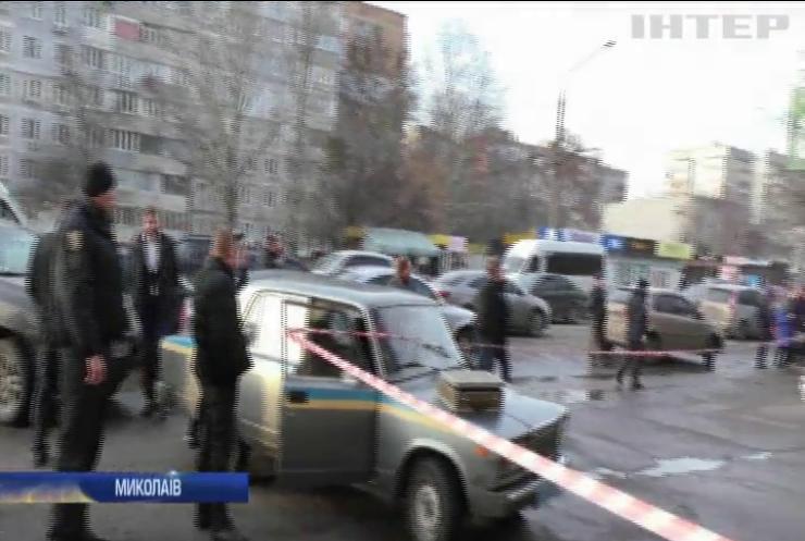 Стрілянина біля суду в Миколаєві: стрільцю оголосили підозру