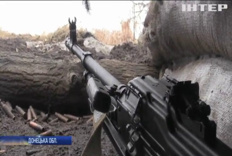 Війна на Донбасі: бойовики обстрілюють українські позиції