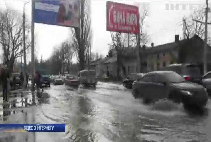 Рекламний щит залишив Одесу без води