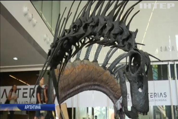 В Аргентині знайшли динозавра із рогами на шиї