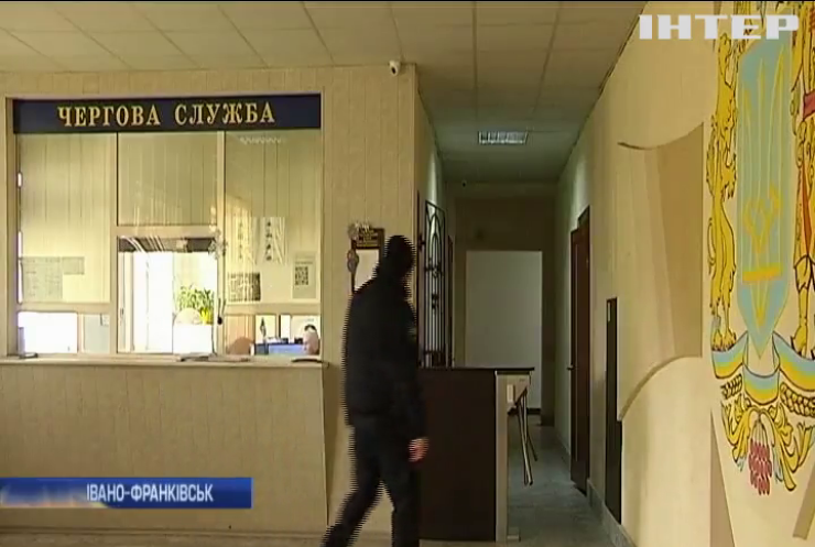 Гучний скандал: патрульні Івано-Франківська звинуватили своє керівництво у корупції
