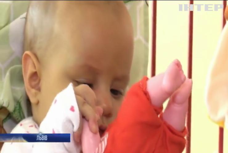 Збирали на операцію: телефонні шахраї пограбували тяжкохвору дитину