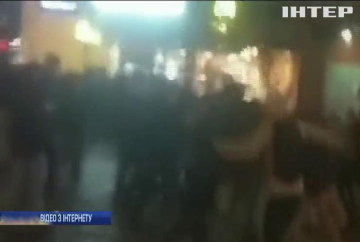 На Хрещатику побилися футбольні фани (відео)