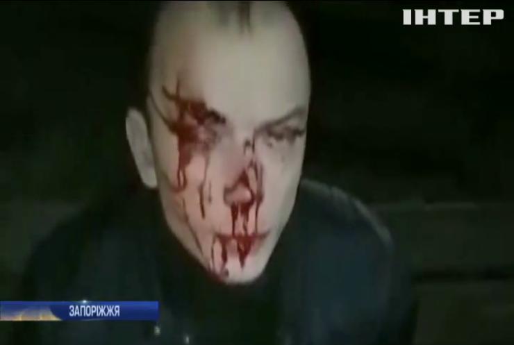 У Запоріжжі пасажири викрали таксі і протаранили стовп