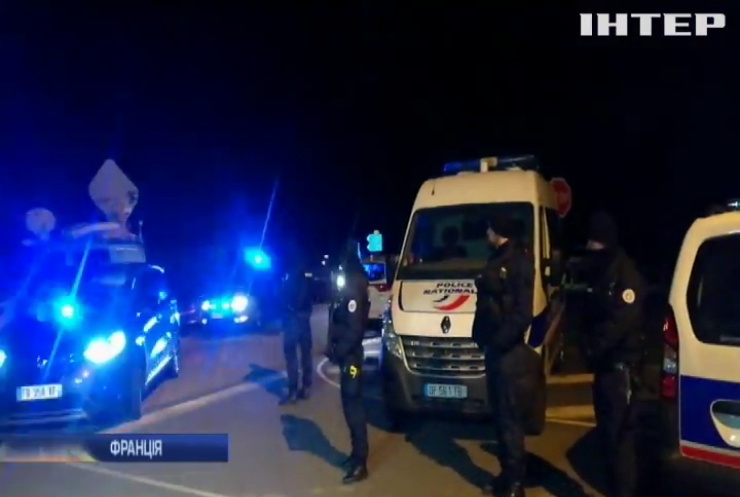 Поліція у Франції штурмувала в'язницю через напад ув'язненого
