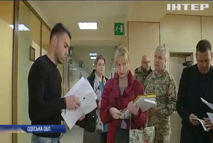 В Одесі продовжують ділити територію військового аеропорту