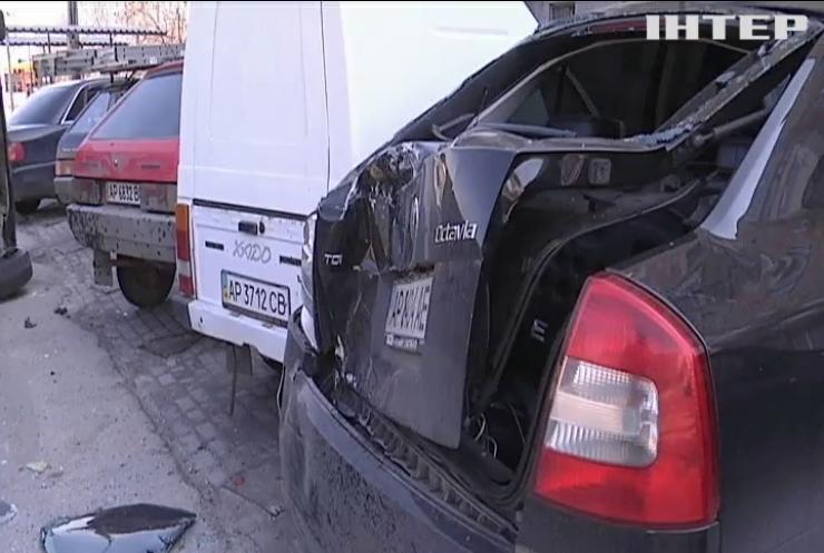 Позашляховик протаранив маршрутку у Запоріжжі
