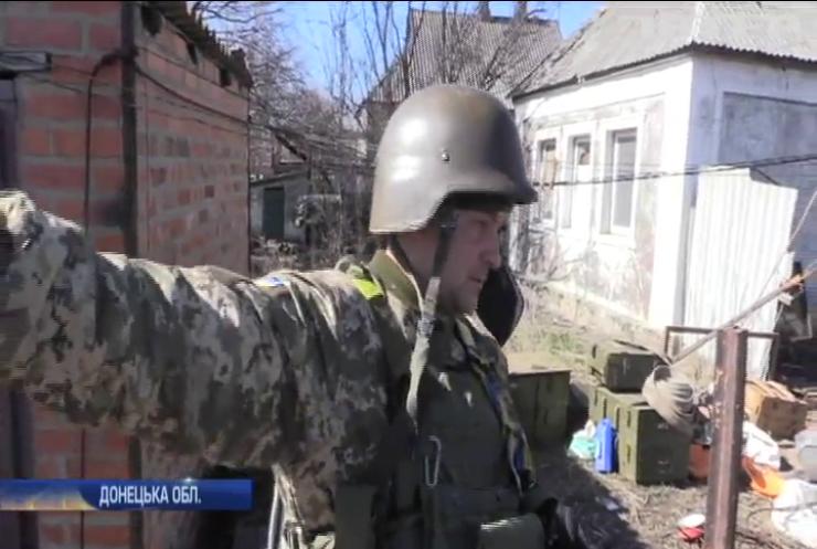 На Донбасі українським військовим дошкуляють ворожі снайпери