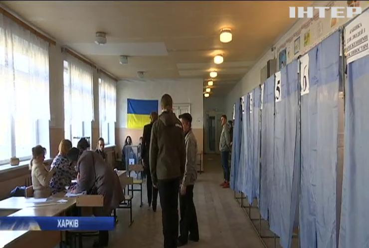 У Миколаєві жінка винесла бюлетень з виборчої дільниці