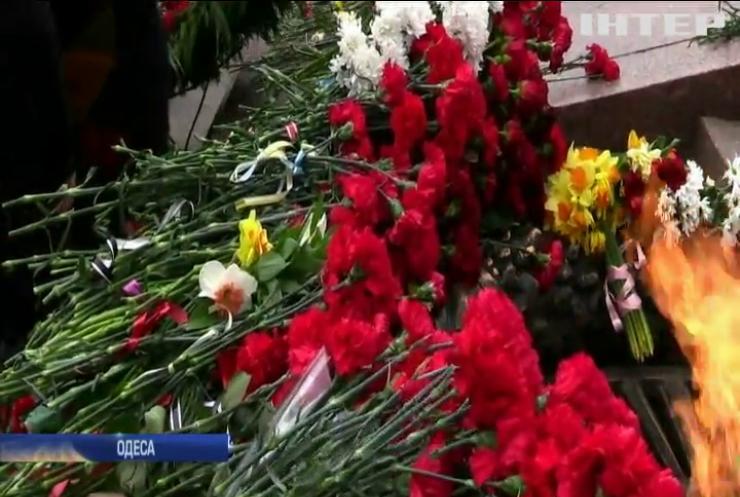Ми пам'ятаємо: Юрій Бойко привітав жителів Одеси з Днем визволення від фашистів