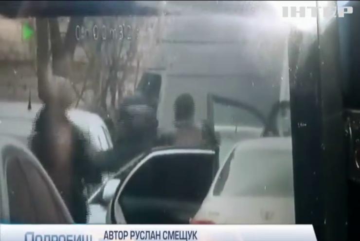 Кілери з кулеметом: стали відомі подробиці затримання у Іванковичах
