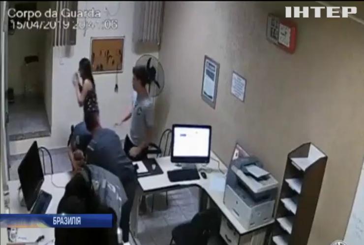 У Бразилії поліцейський врятував новонароджене маля