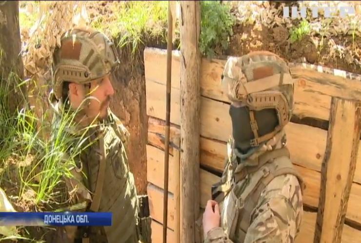 Війна на Донбасі: бойовики укріплюють позиції у мирному хуторі