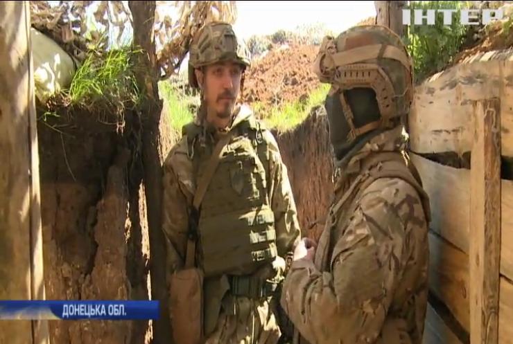 На Донбасі бойовики укріплюють позиції у мирному хуторі