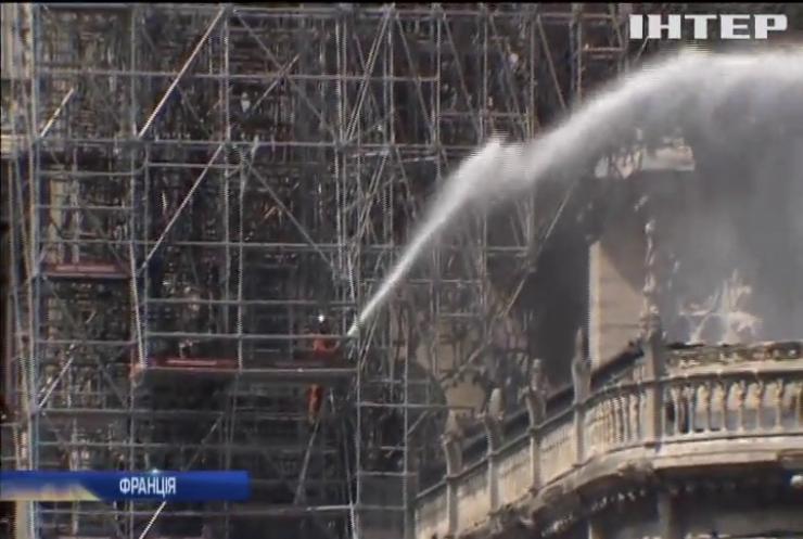 Поліція назвала причину пожежі у соборі Паризької Богоматері
