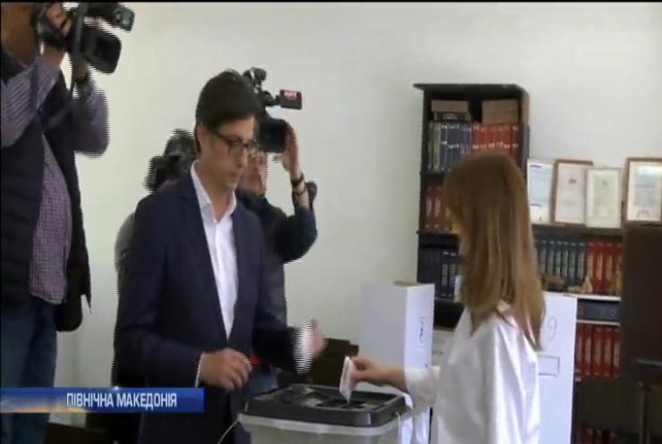 Північна Македонія провела перший тур виборів