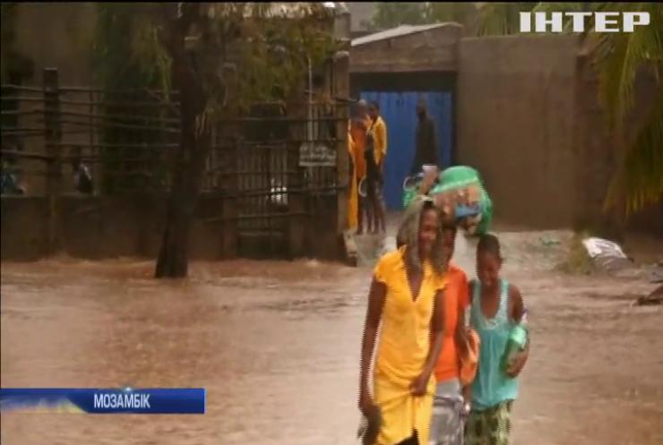 """Тропічний циклон """"Кеннет"""" накоїв лиха у Мозамбіку"""