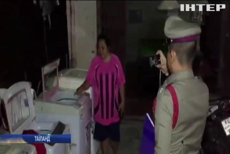 У Таїланді врятували немовля з пральної машини