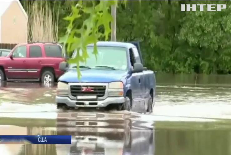 Південь США накрили повені та торнадо