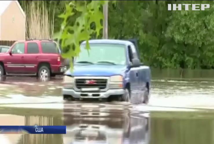 Сполучені штати накрили повені та торнадо