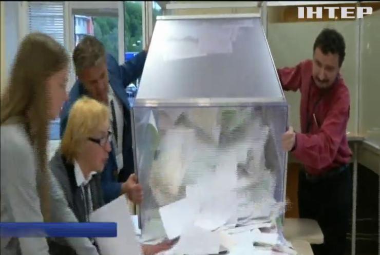 Президентські вибори у Литві: на дільницях рахують голоси