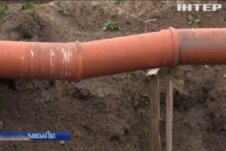 На Львівщині фермер влаштував небезпечний могильник для худоби