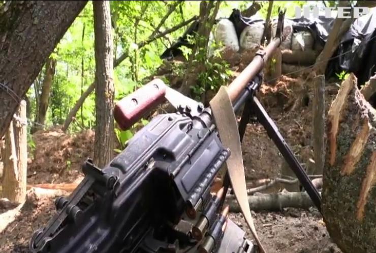 Захисників Гнутового накрили вогнем кулеметів