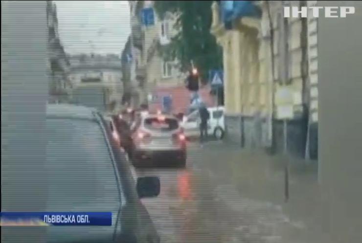 Негода накоїла лиха на Львівщині: рівень води піднявся на півметра