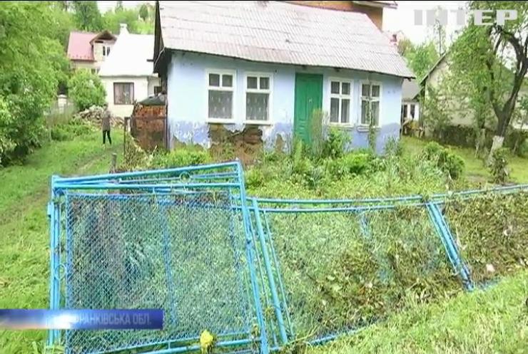 На Прикарпатті дощі затопили 3,5 тисячі будинків
