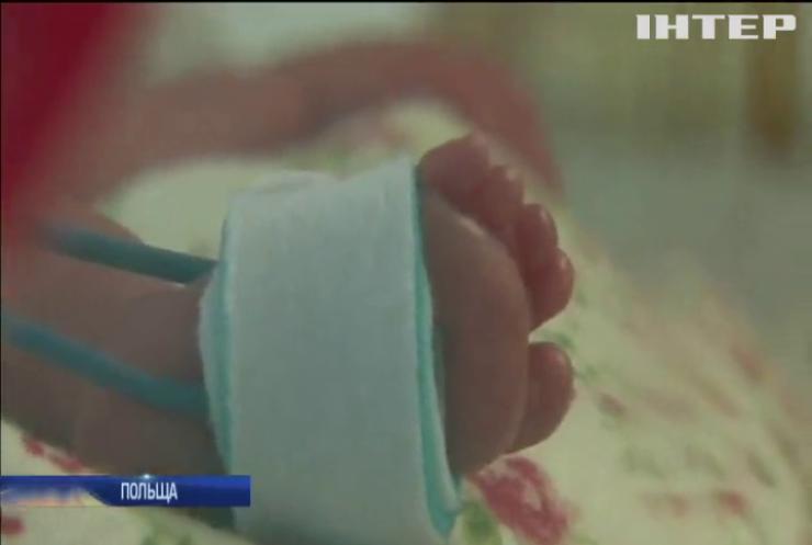 У Польщі жінка народила одразу шістьох дітей