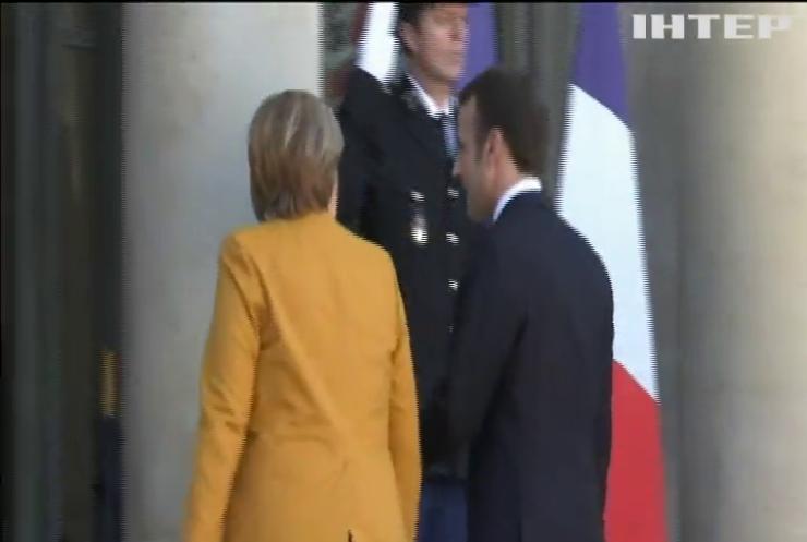 Меркель та Макрон провели переговори з Путіним