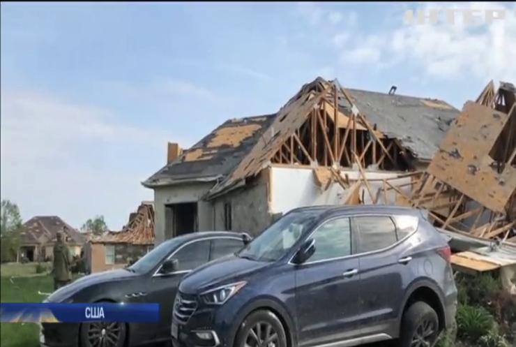 Американськими штатами пронеслися руйнівні торнадо