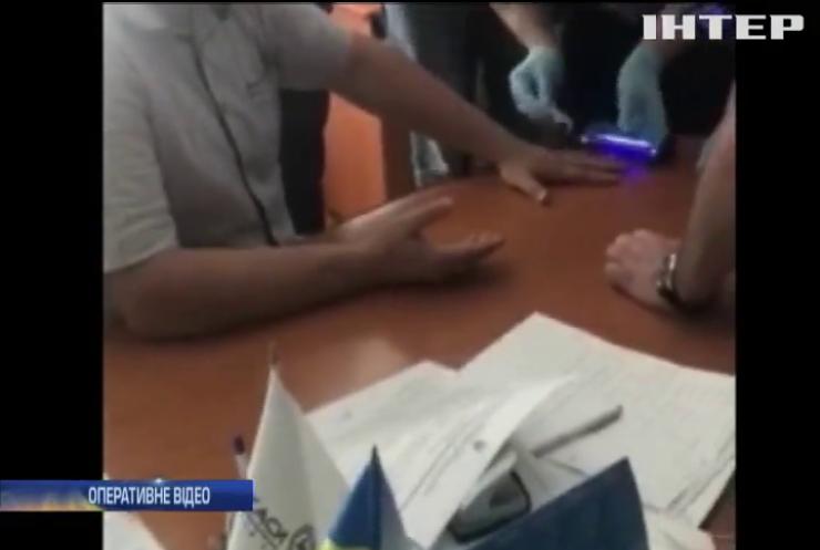 У Черкасах енергетик вимагав від підприємця 5 тисяч гривень хабара