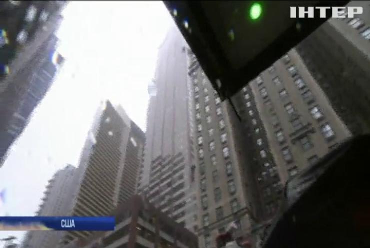 У Нью-Йорку гелікоптер упав на хмарочос