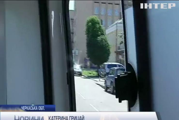 """На Черкащині пацієнт """"швидкої"""" побив водія"""