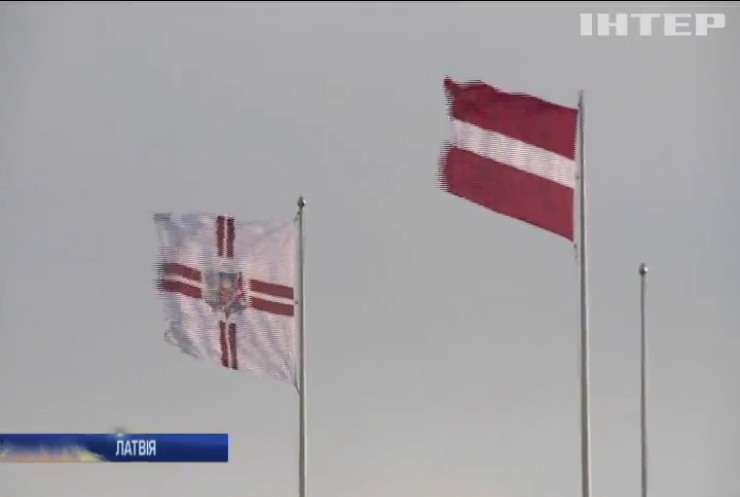 Латвія заборонить використовувати уніформи СРСР та нацистської Німеччини