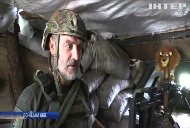 Бойовики на Донбасі продовжують бити великими калібрами