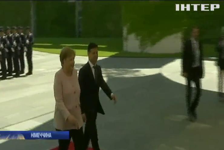 Візит до Німеччини: Володимир Зеленський провів переговори з Ангелою Меркель
