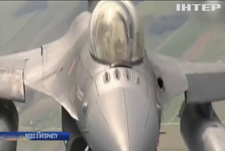 Літаки НАТО супроводжували винищувачі Росії над Балтикою