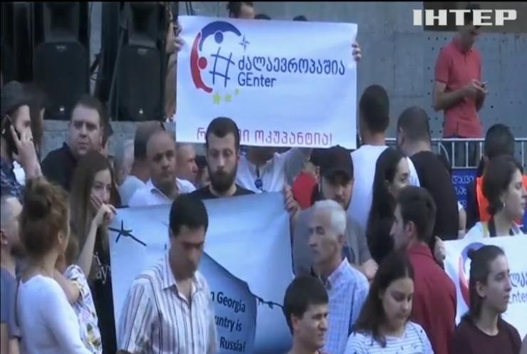 Протести в Грузії: демонстранти вимагають відставки керівника МВС
