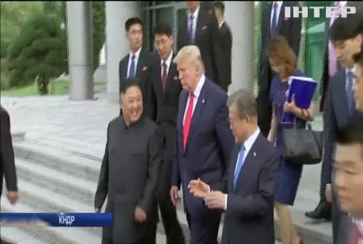 Дональд Трамп і Кім Чен Ин провели на кордоні незаплановану зустріч