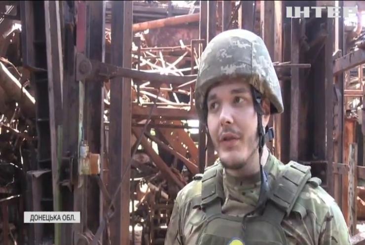 Війна на Донбасі: під вогонь потрапляють медики, волонтери та мирні жителі