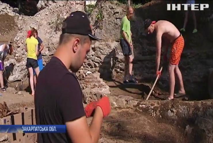 В Ужгороді відновили розкопки старовинної церкви в центрі міста